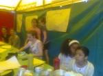 ND des Monts 2012 Grandes filles sous la tente.jpg